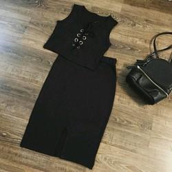 Set chân váy và áo croptop đan ngực