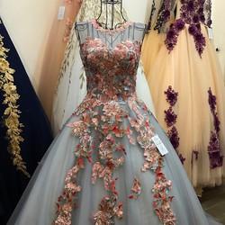 Áo cưới ren hoa màu