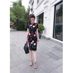 Đầm ren hoa thêu