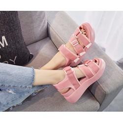 Giày Sandal cá tính - phá cách cho nữ