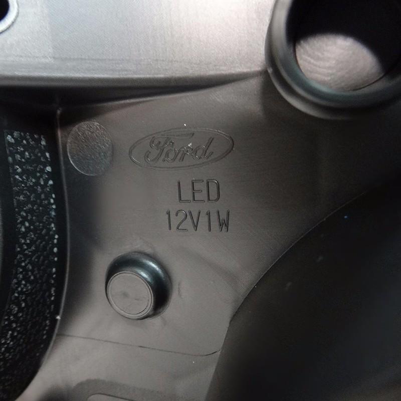 Đèn pha bên tài xế Ford Ecosport 2014-2016 3