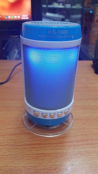 Loa bluetooth không dây đa năng WS-1806 chớp đèn theo tiếng nhạc 3