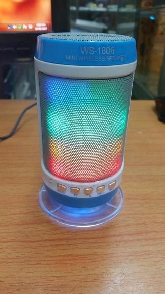 Loa bluetooth không dây đa năng WS-1806 chớp đèn theo tiếng nhạc 2