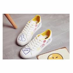 Giày sneaker thêu họa tiết