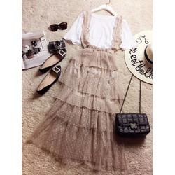 Set áo cotton xốp tay loe và chân váy yếm voan lưới chấm bi xếp tầng