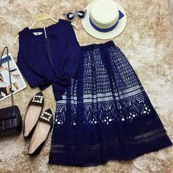 Set áo croptop thắt nơ kèm chân váy ren xoè