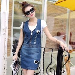 Đầm Jean Yếm Thêu Logo Phối Dây Kéo Thời Trang