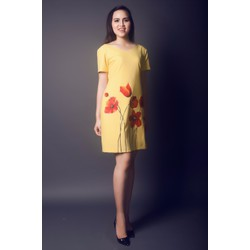 Đầm màu vàng vẽ tay hoa đỏ size XL