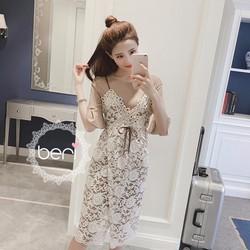 Đầm ren hoa tay loa Hàn Quốc kem