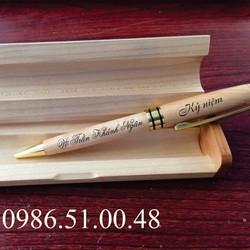 Bút gỗ khắc chữ miễn phí theo yêu cầu