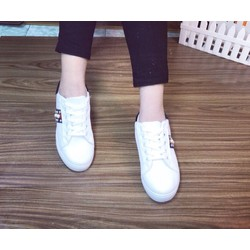 giày nữ năng động