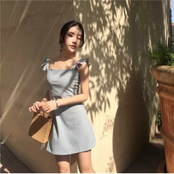 Đầm bèo trể vai