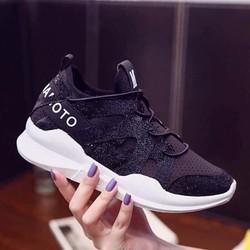Giày thể thao nữ chữ mới