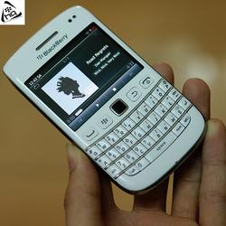 Điện thoại BLACKBERRY BOLD 9790 WHITE