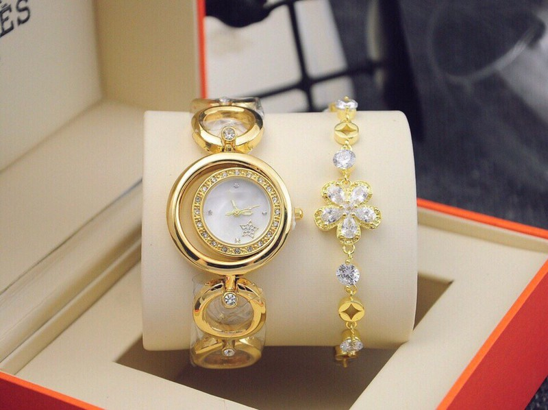 đồng hồ thời trang nữ kèm lắc 3