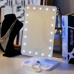 Gương trang điểm để bàn có gắn đèn Led
