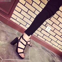 Giày sandal cao gót vuông chiến binh