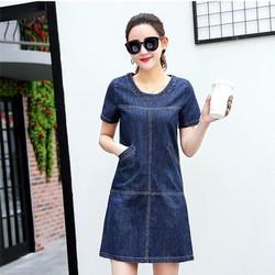 Đầm jean suông phối túi cổ tròn