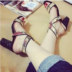 giày gót vuông quai chéo