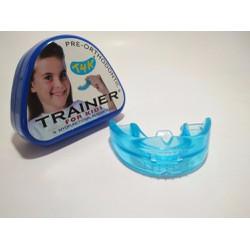 Nắn chỉnh răng cho trẻ em bằng hàm trainer