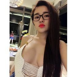 kính giả cận hot girl