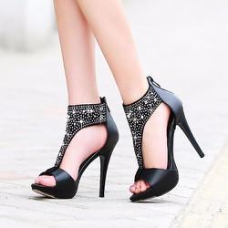 Giày cao gót cổ cao đính đá BeB