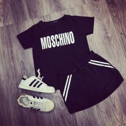 Set quần giả váy và áo thể thao nữ