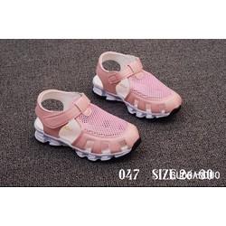 giày trẻ em kiểu dáng thể thao cho bé gái