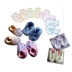 Sale - Combo 5 đôi giày vải và 4 cặp bao tay cho bé gái cực xinh hgsm1