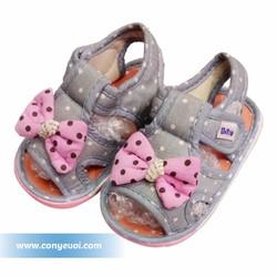Giày sandal cho bé gái hình nơ chấm bi