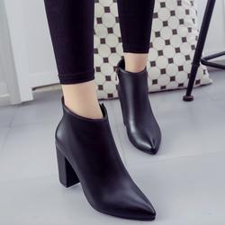 Giày boot nữ cổ ngắn đế vuông sành điệu GBN16201