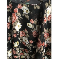 Áo hai dây hoa điệu đà