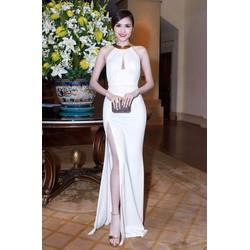 Đầm dạ hội thiết kế xẻ tà cổ yếm