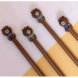 Bút viết mực nước gấu Brown