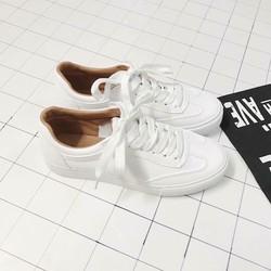 Giày thể thao lót nâu buộc dây