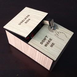 Hộp Vô Dụng - Useless Box - Đồ chơi giải trí, giảm stress