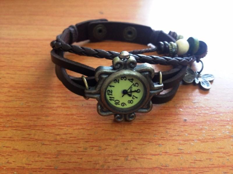 Đồng hồ dây da phong cách cổ điển lạ lẫm cho nữ 3