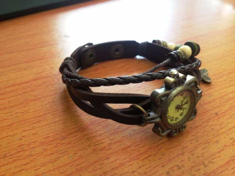 Đồng hồ dây da phong cách cổ điển lạ lẫm cho nữ 4