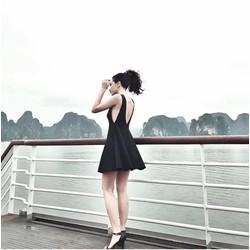 👉 Đầm Xoè Hở Lưng Khoét Nách