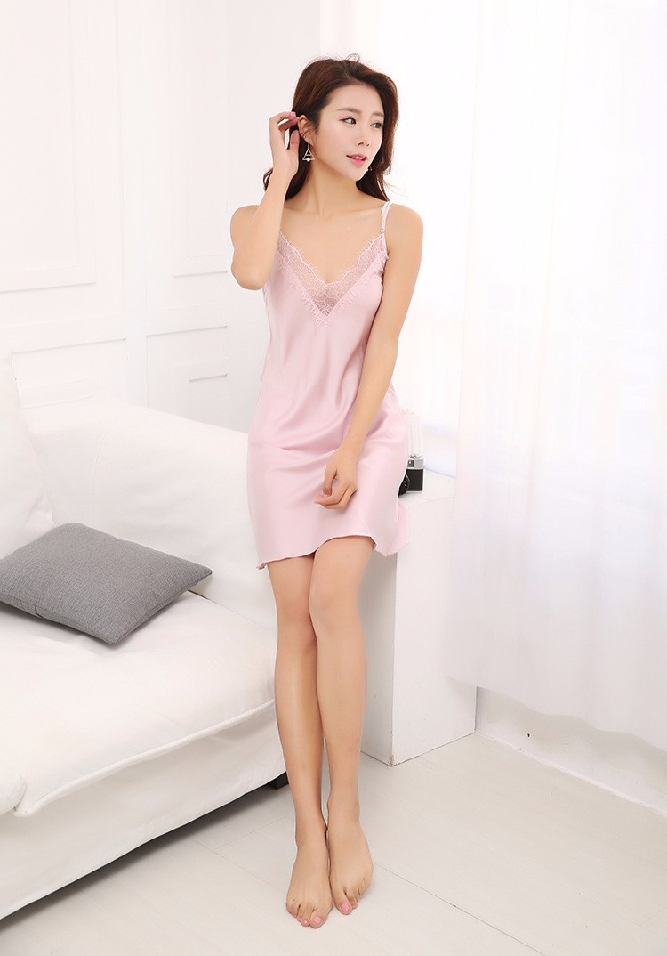 Váy ngủ phi lụa viền ren TK876 màu hồng phấn 4