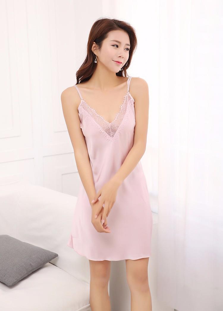 Váy ngủ phi lụa viền ren TK876 màu hồng phấn 2