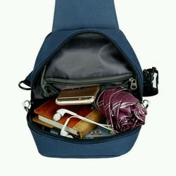Túi xách đeo chéo nam