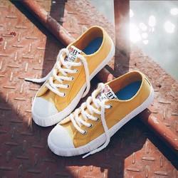 giày thể thao thắt dây
