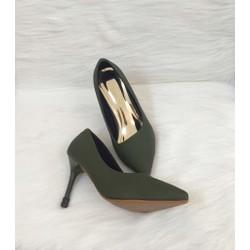 Giày cao gót xanh rêu
