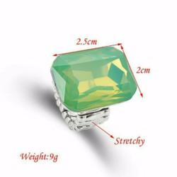 NT600 Nhẫn đính đá sang trọng