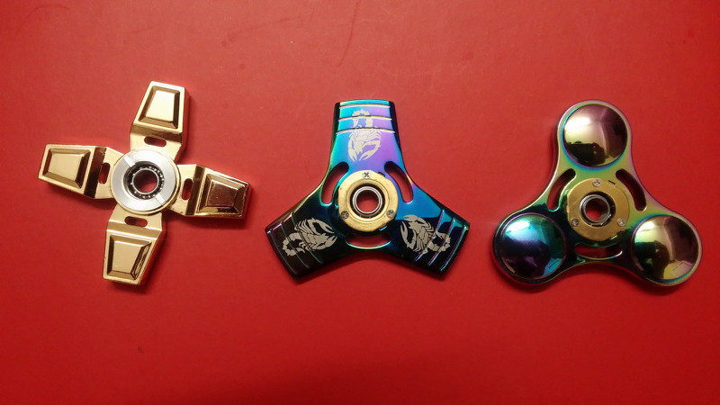 Spinner Cầu Vồng 17