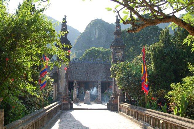 Tour Hoa Lư Tam Cốc 1N cùng Vietbamboo Travel 2