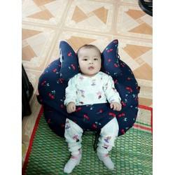 gối đa năng và gối chặn đầu cho bé