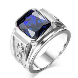 Nhẫn inox khắc rồng cẩn đá xanh độc đáo