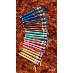 Combo bút viết búp bê cầu mưa và 1 ống mực xanh